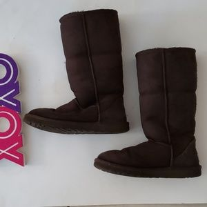 UGG brown 5815 tall boots